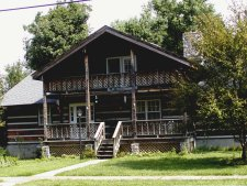 Bed and breakfast in an old log cabin, Berea.