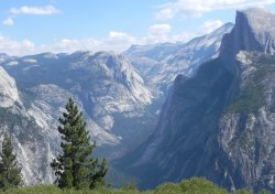 An overlook along Glacier Point Road.